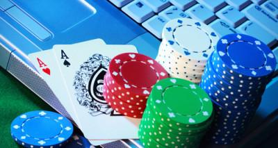 Zarabiaj pieniądze grając w pokera